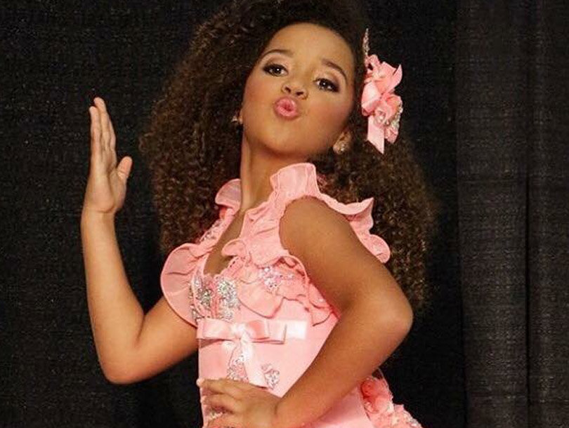 """""""Toddlers & Tiaras"""" Is BACK -- And They're Using Collagen Now?!"""