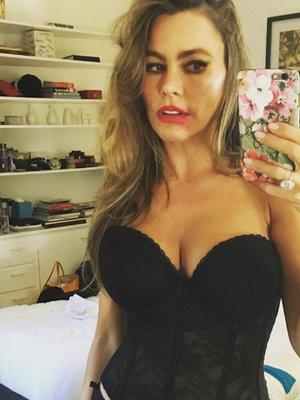 Sofia Vergara, Cristiano Ronaldo, Paris Hilton & More -- See This Week's Best Celebrity TwitPics!
