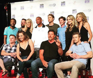 """One Tree Hill"" Cast Reunites and Sings the Theme Song!"