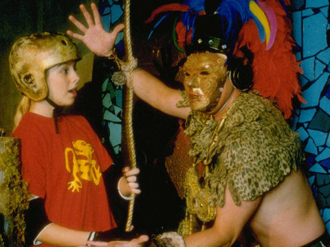 "The Truth Behind Those Absolutely Terrifying ""Legends of the Hidden Temple"" Guards…"