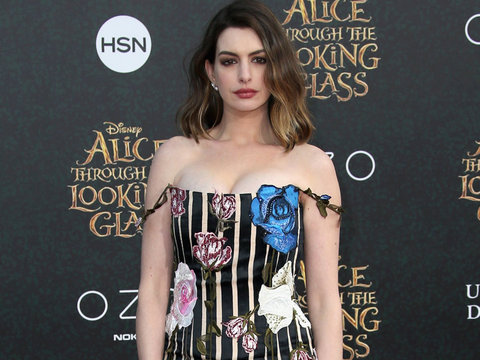 "Anne Hathaway Shuts Down Post-Baby Body Shamers: ""There Is No Shame If It Takes Longer…"