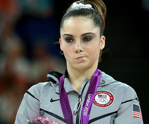 """McKayla Maroney Re-Creates Her Viral """"Not Impressed"""" Face"""