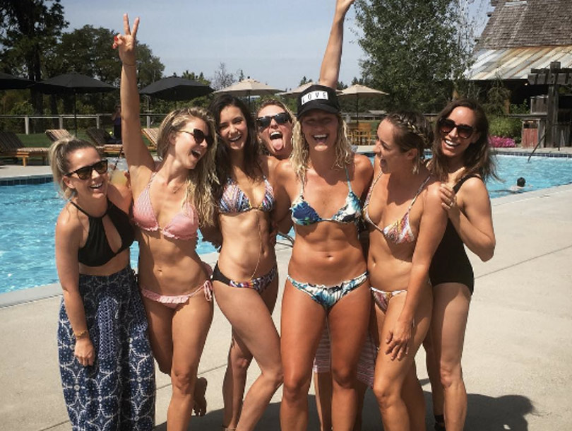 Julianne Hough Amp Nina Dobrev Go Bottomless To Flaunt Quot Full Moons Quot Toofab Com