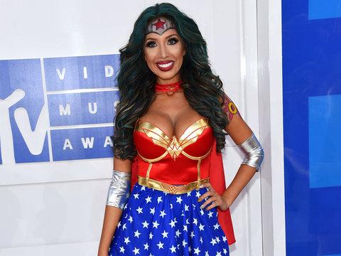 Why Farrah Dressed as Wonder Woman for the VMAs