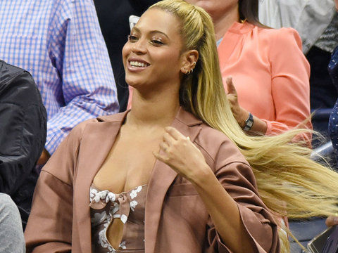 Beyonce and Jay Z Cheer On Serena Williams During Cute Courtside Date Night