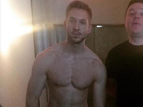 Calvin Harris Strips, Pauly D's PDA & More -- See This Week's Best Celebrity Selfies!