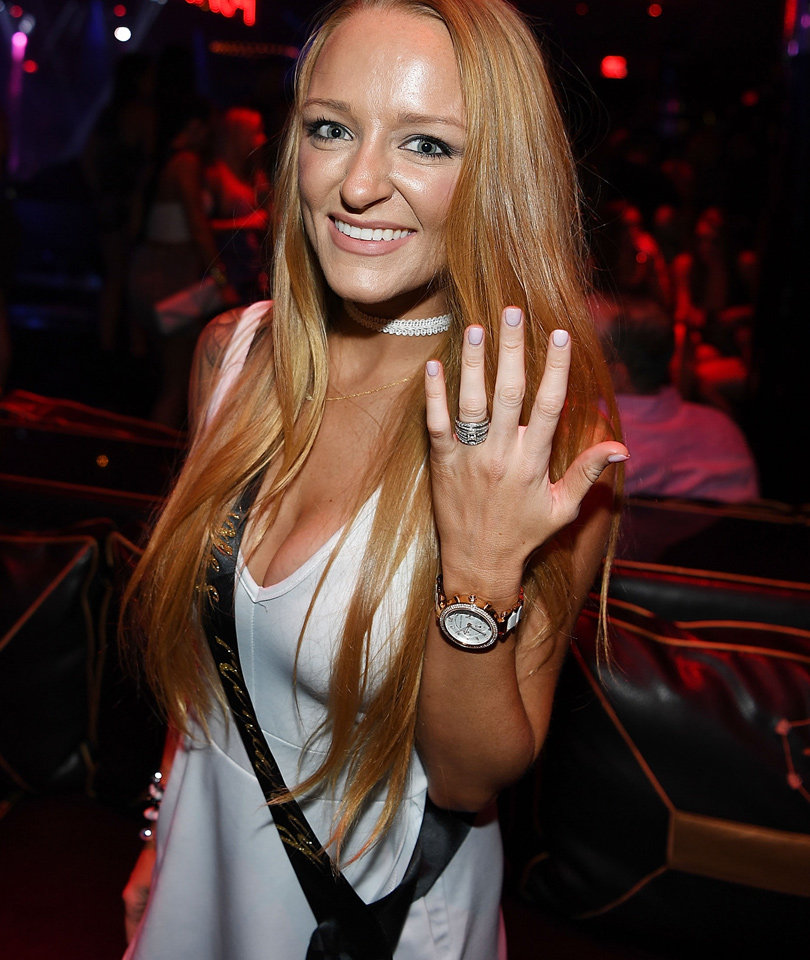 """Teen Mom OG"" Star Maci Bookout Celebrates Bachelorette Party In Vegas!"