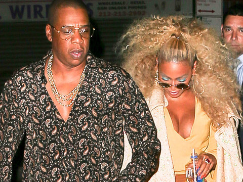 Beyonce Grinds Up on Jay at Soul Train Themed B-Day Bash!