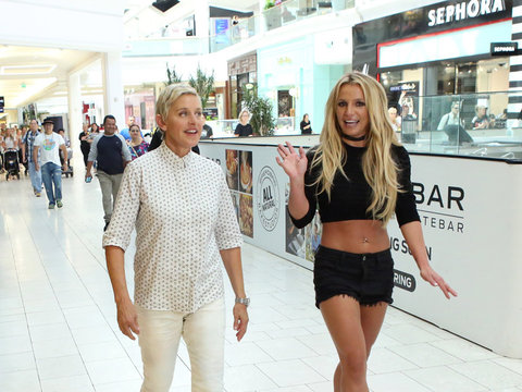 Britney & Ellen Hit the Mall ... and Shoplift!