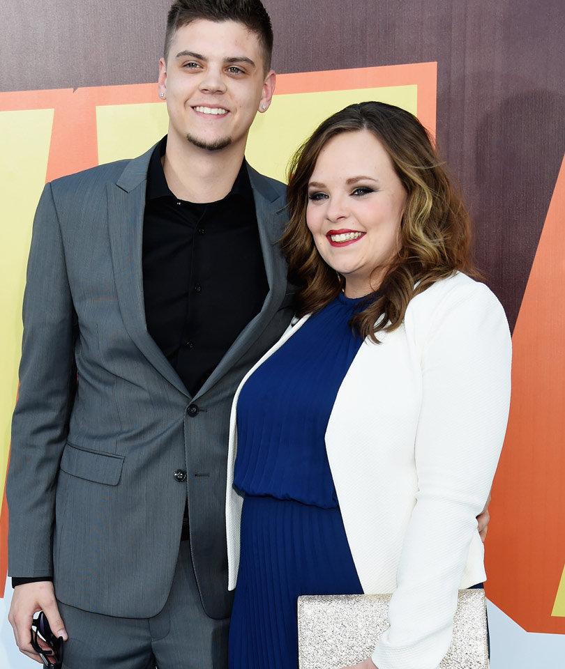"""""""Teen Mom"""" Duo Catelynn & Tyler Baltierra Celebrate One Year Wedding…"""
