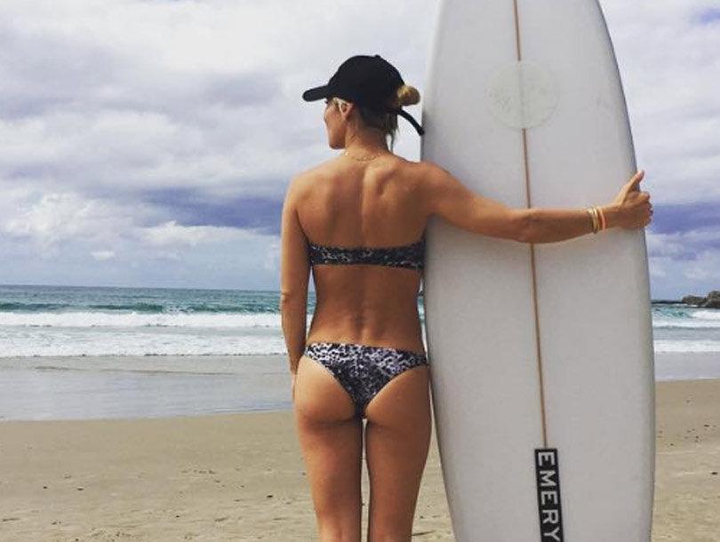 Elsa Pataky Flaunts Impossibly Toned Bod In Skimpy Bikini