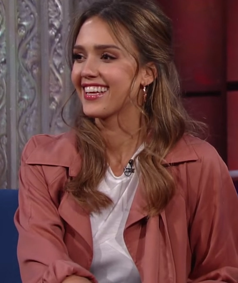 "Alba Got a ""Breakup Tattoo"" After Dating Famous Actor"