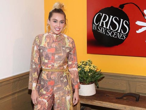 Miley Cyrus' Wacky Jumpsuit -- Fab or Drab?