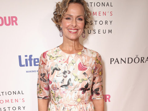 """Transparent"" Star Melora Hardin Has One Amazing Emmy Night Style Secret"