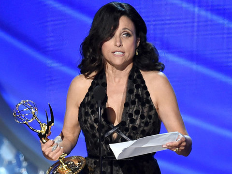 Louis-Dreyfus Reveals Father Passed Away In Emotional Emmy Speech