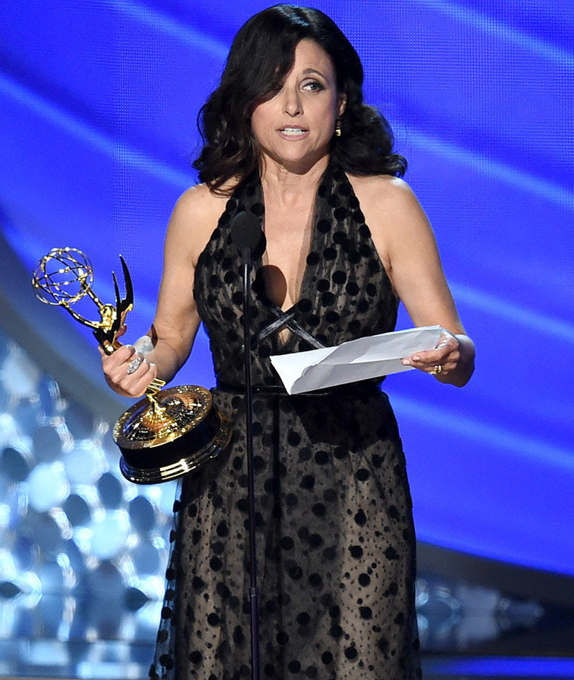 Julia Louis-Dreyfus Reveals Father Passed Away In Emotional Emmy Speech