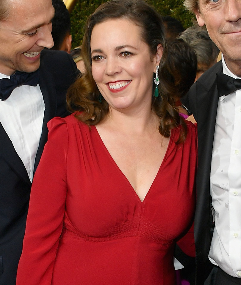 """Why """"Night Manager"""" Star Olivia Colman Had to Use FaceTime to Pull Together Her Emmys Red Carpet Look"""