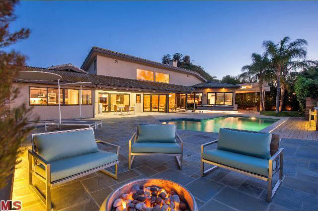 2012_07_toofab_Rob_Dyrdek_Hollywood_Hills_Home_0028_Layer_3