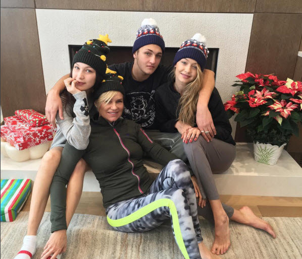 2015 Holiday Cheer -- Celebrity Twitpics