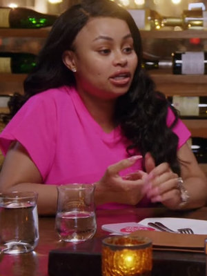 Blac Chyna's Mom Makes Dinner Very Uncomfortable For Rob Kardashian & Her Dad!