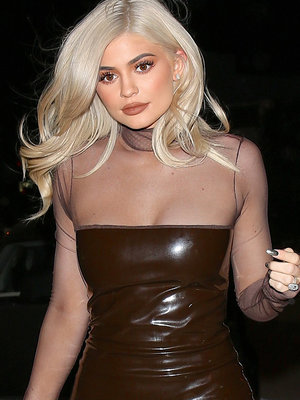 Kylie Jenner Flaunts Hot Bod In Skin-Tight Leather Mini
