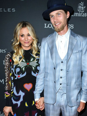 Kaley Cuoco & Boyfriend Karl Cook Make Red Carpet Debut