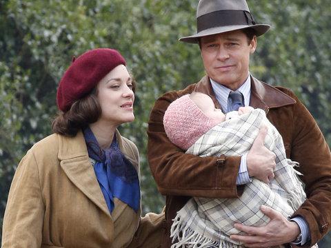 """Pitt & Cotillard Smolder In New Trailer For """"Allied"""""""