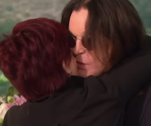 """Ozzy & Sharon Have Awkward Makeout Sesh on """"The Talk"""""""