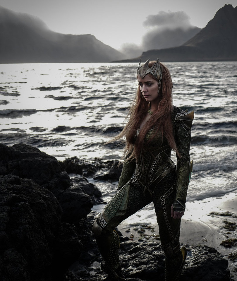 """Amber Heard Looks Like a Total Badass as Mera In First Photo from """"Justice League"""""""