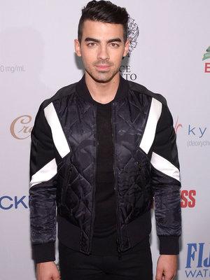 Joe Jonas Reveals Which Female Star He Lost His Virginity To!