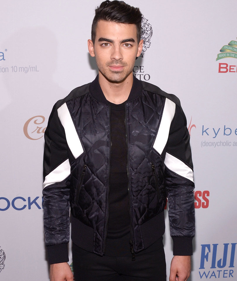 Joe Jonas Talks Losing His Virginity, Penis Size and Having Music Video Erections