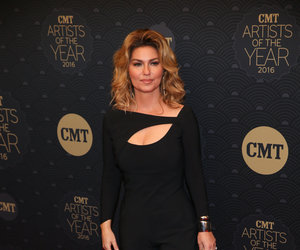 Shania Twain's Artist of the Year Look -- Fab or Drab?