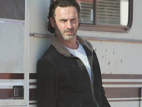 "Think You're a ""Walking Dead"" Superfan? Prove It!"