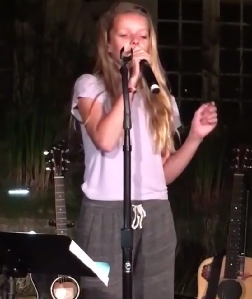 Gwyneth Paltrow's Kids Wow During Onstage Performance with Dad Chris Martin