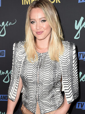 Hilary Duff Feeling Left Out In Bed with Boyfriend Jason Walsh