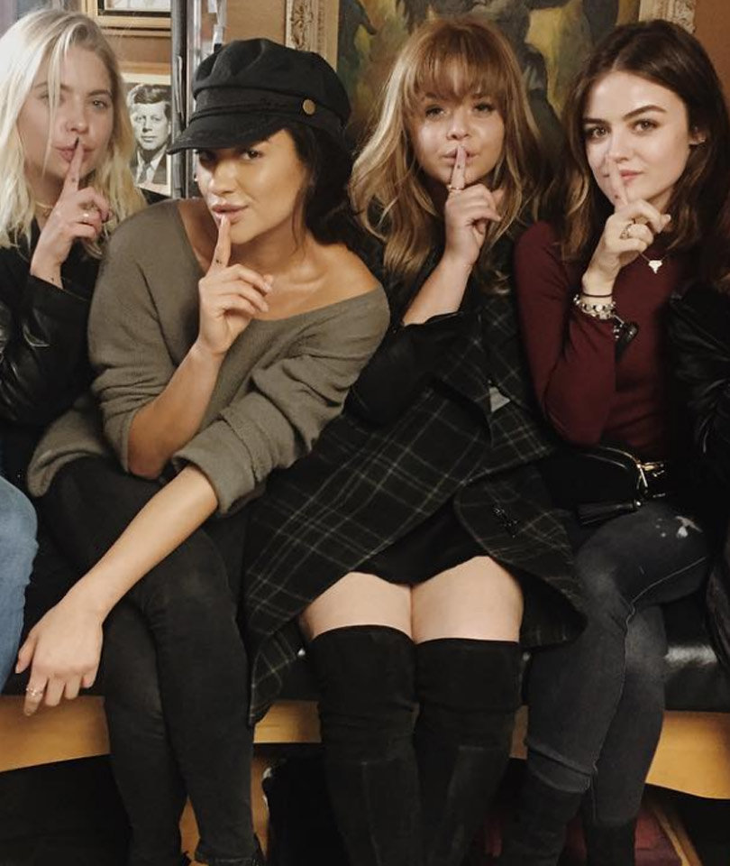 """""""Pretty Little Liars"""" Cast Gets Matching Tattoos After Wrapping Filming"""
