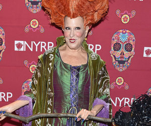 "Bette Midler Sports ""Hocus Pocus"" Costume 23 Years Later"