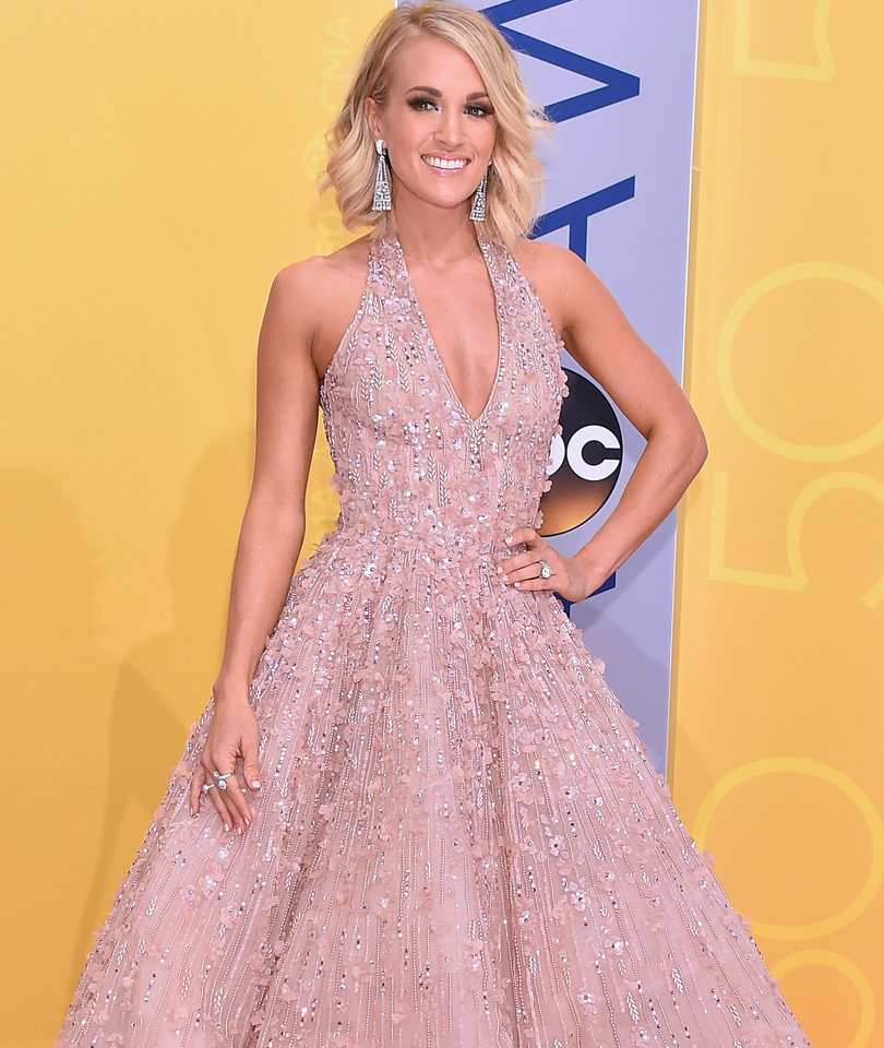 Carrie Underwood Is Pink Perfection at the CMA Awards
