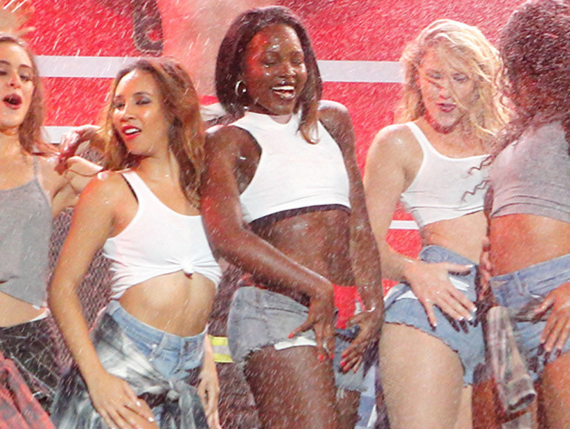 "Lupita Nyong'o Slays Salt-n-Pepa Performance on ""Lip Sync"" Battle!"