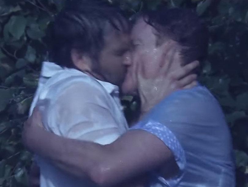 "Ryan Reynolds & Conan Make Out In ""Notebook"" Parody"