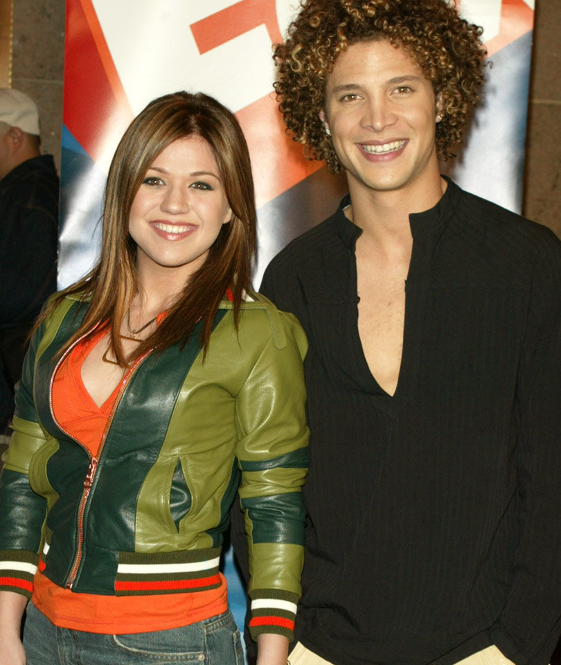 Kelly Clarkson Shades Justin Guarini to Promote Voting
