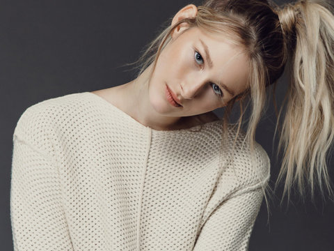 Spielberg & Capshaw's Daughter Makes Her Modeling Debut