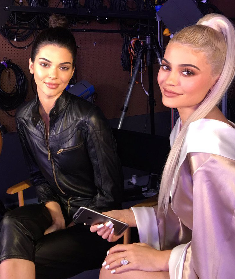 Did Kendall Jenner Get Lip Injections? Kylie Jenner Says ...