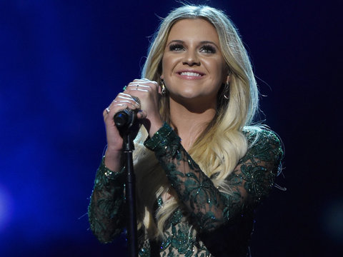 Kelsea Ballerini & More Stars Share Fave Holiday Traditions