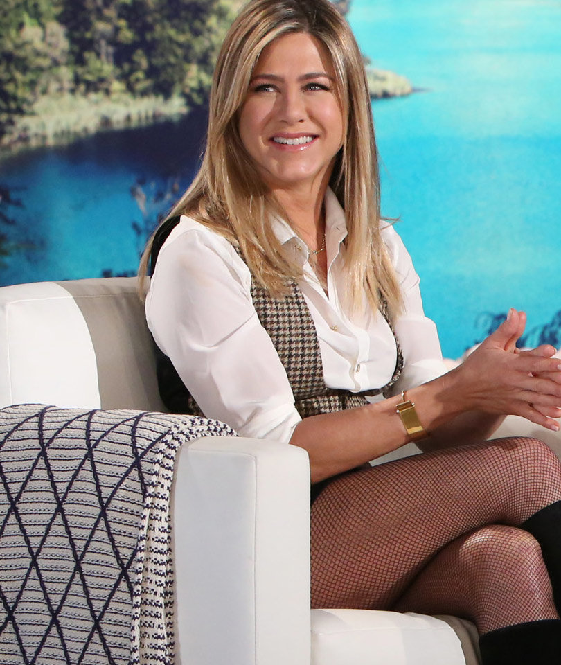 See How Justin Theroux Surprised Jennifer Aniston for the Holidays