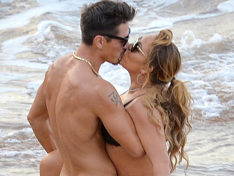 Mariah Kisses 33-Year-Old Dancer In PDA-Filled Beach Pics