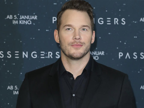 Chris Pratt Got 'Busted' Eating Off Customers' Plates While Waiting Tables