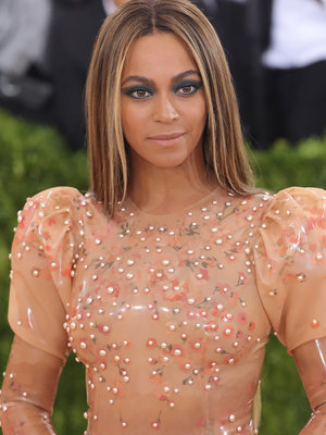 Footage of Beyonce Performing At Age 10 Is Here - And You Gotta See It (Video)