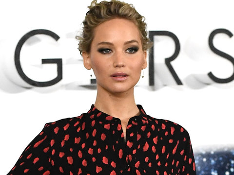 See Why Jennifer Lawrence Released Serious Apology Over Butt-Scratching Incident