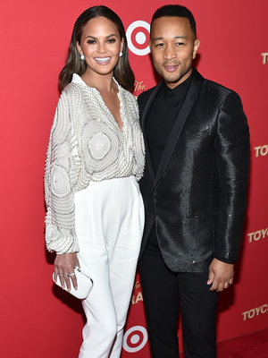 Kitchen Disaster! Why Cooking With Chrissy Teigen Is Dangerous for John Legend